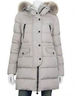 MONCLER FRAGON  À la montagne comme à la ville, les vêtements d'hiver Moncler s'imposent pour affronter avec élégance les températures les plus basses.  €329, Jusqu'à -71%  Acheter maintenant: http://www.monclerfr.com/doudoune-moncler-pas-cher.html