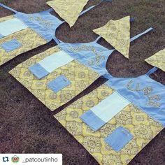 Aventais de bandana personalizados ♡ para uma família que cozinha junta. www.patcoutinho.com.br www.facebook.com/ateliepatcoutinho #ateliepatcoutinho #avenralpersonalizado #craft #muitoamorenvoldido #euquefiz