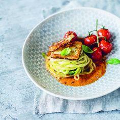 Onze 5 favoriete recepten van voedingsdeskundige Sandra Bekkari. Winter Dinner Recipes, Easy Dinner Recipes, Southern Dinner, Go For It, Light Recipes, Salmon Recipes, Food Videos, Healthy Recipes, Healthy Food