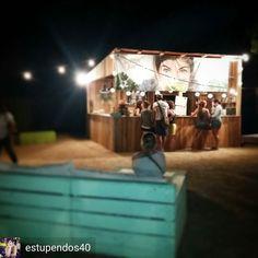 @Regrann from @estupendos40 -  Ayer estuvimos en el #whitesummeres de Pals y fue una gozada en todos los sentidos: shopping música food-trucks... repetiremos el año que viene seguro!!!  Culminamos la visita con un zumo en el Stand Green Juices by Carla Zaplana y tuvimos la suerte de coincidir con ella y de que nos firmase sus dos libros: Zumos Verdes y Superfoods  #Regrann