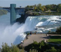 Goat Island in Niagara Falls New York offer great viewing for the American Falls and Bridal Veil Falls Niagara Waterfall, Places To Travel, Places To See, Niagara Falls New York, American Falls, New York Vacation, Vacation Spots, Autumn In New York, Places In America
