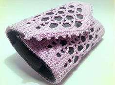 Púzdro na mobil Crochet cell phone case in purple