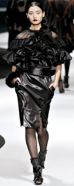 ✜ Viktor & Rolf Fall Winter 2013 - By the Light of the Moon ✜ http://www.vogue.co.uk/fashion/autumn-winter-2012/ready-to-wear/viktor-and-rolf/full-length-photos/gallery/17 MORE ON Fashion :: Runway