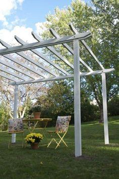 pergola selbst bauen ideen schlicht weiß gartenmöbel gras