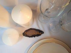 Eleganckie i klasyczne winietki na minerale z Agatu.  Hi! Elegant and classic place card on Agat mineral. Tea Lights, Candles, Tea Light Candles, Candy, Candle Sticks, Candle