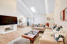 #ResidenceAmalfi: Luxury Apartments Amalfi, a 150 m dalla spiaggia di Marina Grande, offre parcheggio gratuito,  camino, area salotto, TV,  WiFi gratuita...