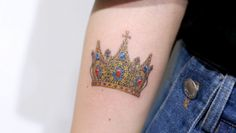 Crown Tattoos Featured Image