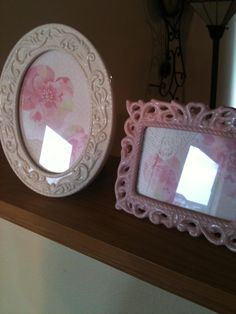 I bought these frames from the Goodwill, added a card and doily corner, shabby chic decor.