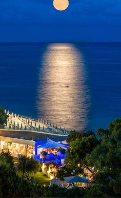 Forte Village #Italy #moon #sea