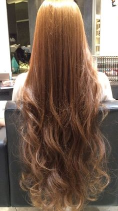So you fancy long hair? Want to know how to grow long hair the right way? Looking for how to grow long hair the right way? These are the effective way you will know how to grow long hair the right way! Long Hair Tips, Grow Long Hair, Very Long Hair, Long Curly Hair, Grow Hair, Long Face Hairstyles, Chic Hairstyles, Pretty Hairstyles, Beautiful Long Hair