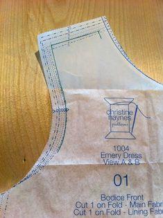 Emery vestido Sew-Along: Como fazer um ajuste de ombro largo - Cidade de costura com Christine Haynes