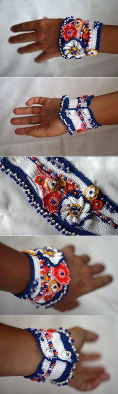 Marine Crochet Cuff от ellisaveta на Etsy