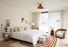 undefined New York Bedroom, Casa Clean, Beni Rugs, Appartement Design, Minimalist Bedroom, Minimalist House, Minimalist Interior, Home Interior, Interior Livingroom