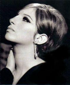 Barbra Streisand - extraordinary!   http://allaboutvoice.com