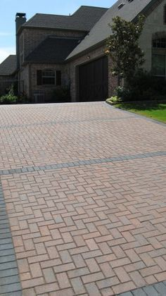 Mounting a Block or Paver Walkway – Outdoor Patio Decor Brick Paver Driveway, Concrete Paver Patio, Modern Driveway, Brick Pathway, Driveway Design, Paver Walkway, Driveway Landscaping, Brick Patios, Patio Design
