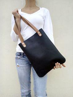 Free shipping . Black leather bag . Shoulder bag . by LaraKlass