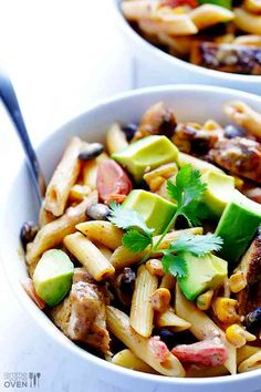 Creamy Mexican Chicken Pasta Recipe | Just 25 minutes to make, and SO tasty!! gimmesomeoven.com