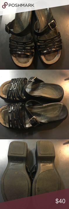 Dansko Dansko women sandal size 39 Dansko Shoes Sandals