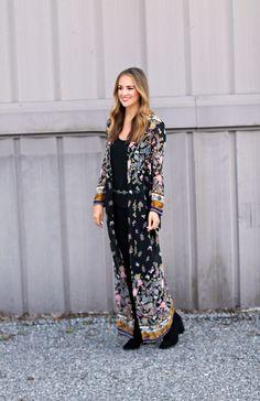 Black Botanical Print Kimono #LexWhatWear - #maxikimono #kimonooutfit #floralprint #botanicalprintoutfit #springstyle #southwesternbelt #silverchainbelt #outfitideas #outfitinspiration #styleideas #styleguide #blogger #fashionblogger #styleblogger #nashvilleblogger #nashvillestyle