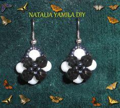 Aros pendientes ARTESANALES en flor de cuentas facetadas y esféricas .Handmade  beaded earrings