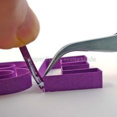 Quilling Letters 101 - Part 4 Gluing Letters in Stages Quilling Letters, Origami And Quilling, Quilled Paper Art, Quilling Paper Craft, Quilling Comb, Neli Quilling, Quilling Instructions, Paper Quilling Tutorial, Paper Quilling Patterns