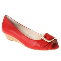 Des souliers rouges, pas en cuir vernis, youpi!