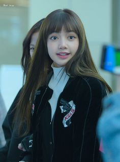 [ 🌼 ] 180326 - BLACKPINK's Lisa at Gimpo Airport cr. ~ since there's no schedule, im just gonna keep posting throwback pictures… Kim Jennie, Yg Entertainment, South Korean Girls, Korean Girl Groups, K Pop, Divas, Blackpink Funny, Throwback Pictures, Lisa Blackpink Wallpaper