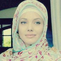 Angelina Jolie unseen pic