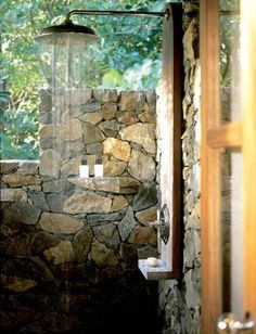 Wonderful outdoor shower with stone privacy walls. I want an outdoor shower. Outdoor Baths, Outdoor Bathrooms, Outdoor Rooms, Outdoor Gardens, Outdoor Living, Outdoor Decor, Indoor Outdoor, Rustic Outdoor, Outside Showers