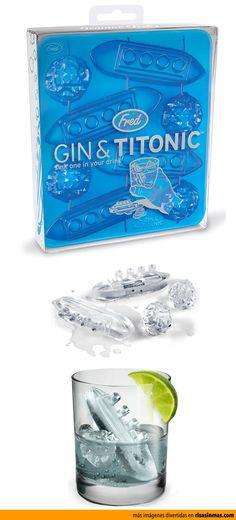 Recrea la historia del Titanic en las copas que preparas con estos divertidos hielos.