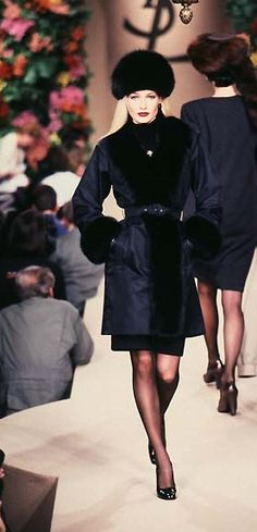 Karen Mulder - YSL,  Haute Couture!  Runway Fall / Winter 1996