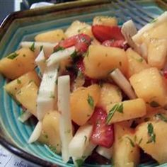 Jicama and Honeydew melon feature prominently in this fresh salad bringing fruit and vegetable together for a tangy treat. Vegan Recipes Easy, Clean Recipes, Whole Food Recipes, Diet Recipes, Snack Recipes, Recipies, Healthy Dishes, Healthy Snacks, Healthy Eating
