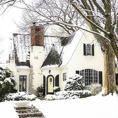 winter wonderland // fairytale cottage in the snow Casas Tudor, Cute House, Sweet House, House Goals, Cottage Style, Cottage House, Tudor Cottage, White Cottage, My Dream Home