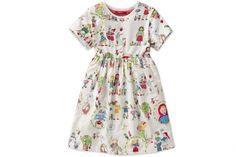 Lovely fairytale dress.