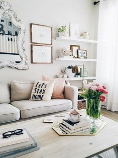 Novel Small Living Room Design and Decor Ideas that Aren't Cramped - Di Home Design Home Living Room, Living Room Decor, Living Area, Pastel Living Room, Living Room Goals, Living Room White, Small Apartment Decorating, Cozy Apartment, Apartment Ideas