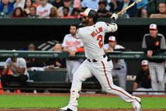 Orioles's Jonathan Villar smashed a homer in the seventh inning of the match against Los Angles Dodgers which breached an all time MLB home run record. Funny Drunk Texts, Drunk Humor, Funny Fails, Funny Jokes, Epic Texts, Funny Sports Pictures, Funny Photos, Minions Funny Images, Minions Quotes