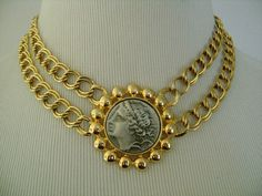 """Classic KJL Kenneth Jay Lane Double Links Chain Gold Tone Metal and Coin With Female Lady Figure at The Center Pendant Necklace 16""""L 77.6grm"""