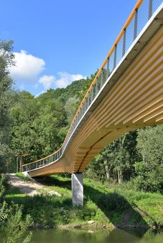 Image 12 of 16 from gallery of Curved Girder Bridge Neckartenzlingen / Ingenieurbüro Miebach. Photograph by Burkhard Walther Architekturfotografie Beam Bridge, Bridge Structure, Landscape Structure, Pedestrian Bridge, Wood Bridge, Landscape Architecture, Architecture Design, Parks, Bridge Design