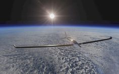 El avión solar biplaza de la misión SolarStratos, que aspira a convertirse en el primero en llegar en 2018 a más de 24.000 metros de altura (EFE, 2016)