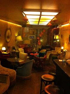 Cafe Brecht: the hipster cafe in Amsterdam that gives you the East Berlin feeling! >> Food & Drinks in Amsterdam