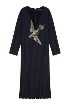 Шерстяное платье Gucci - Длинное шерстяное платье с глубоким V-образным вырезом украшено аппликацией из страз в виде птицы в зоне декольте в интернет-магазине модной дизайнерской и брендовой одежды