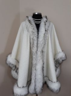 Luxury Ivory Cape/Poncho/Cloak with Fur Trim Gift for wife Size Fur Fashion, Fashion Outfits, Winter Cloak, Fur Coat Outfit, Fur Clothing, Cashmere Wool, Long Cape, Fur Trim, Coats For Women