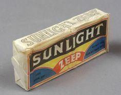 Stuk Sunlight zeep in de originele verpakking   voor je lijf en haren