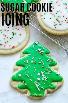 Sugar Cookie Icing {Great for Decorating} - Spend With Pennies This sugar cookie icing is an easy powdered sugar cookie icing that is perfect for decorating. It is the best-tasting icing, easily flavored and colored, and hardens quickly for decorating. Rolled Sugar Cookie Recipe, Ginger Bread Cookies Recipe, Rolled Sugar Cookies, Fancy Cookies, Xmas Cookies, Iced Cookies, Cookies Et Biscuits, Icing For Sugar Cookies, Cookie Icing That Hardens