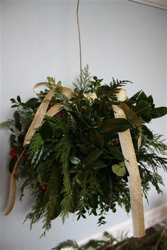How to Make a DIY Holiday Kissing Ball with Fresh Greenery Christmas Swags, Christmas Mantels, Christmas Balls, Christmas Home, Christmas Holidays, Christmas Ideas, Kissing Ball, Xmas Decorations, Holiday Crafts