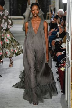 3f93207ddbc Valentino Spring 2019 Couture presented during Paris Fashion Week! Unique  colours