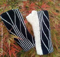 Free Knitting Pattern:  Short Wave Mitts