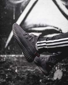 Cop or Drop? Are you ready for Yeezy 350 V2 Black? Follow @sneakers.rofor more ...-#* #sneakersro Yeezy 350 V2 Black, Rapper, Adidas Instagram, Supreme Shoes, Baskets, Mens Yeezy, Adidas Yeezy 350 V2, Sneaker Stores, Hype Shoes