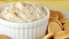 Dip de piña Ingredientes:  Tres rodajas de piña en almibar 200 g de queso crema de cualquier marca  sensacionales. Siempre es posible sorprender y agradar a los invitados y amigos ofreciendo un snack novedoso