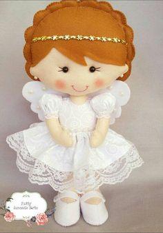 Anjinhas em feltro Felt Patterns, Stuffed Toys Patterns, Handmade Toys, Handmade Crafts, Felt Angel, Felt Bookmark, Felt Fairy, Felt Christmas Ornaments, Doll Quilt